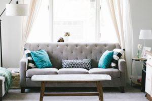 כיסוי ספה אלסטי – הפתרון המושלם לספות ישנות
